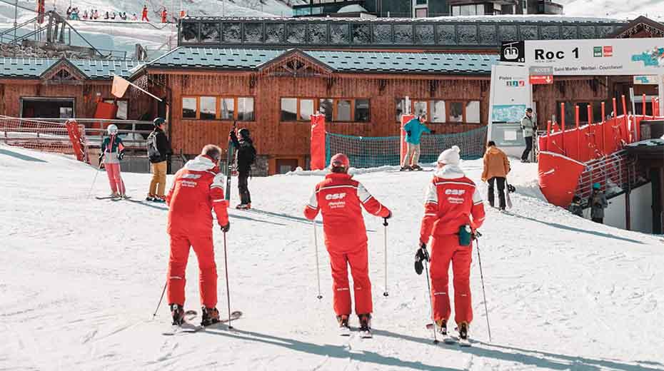 Skiing instructors